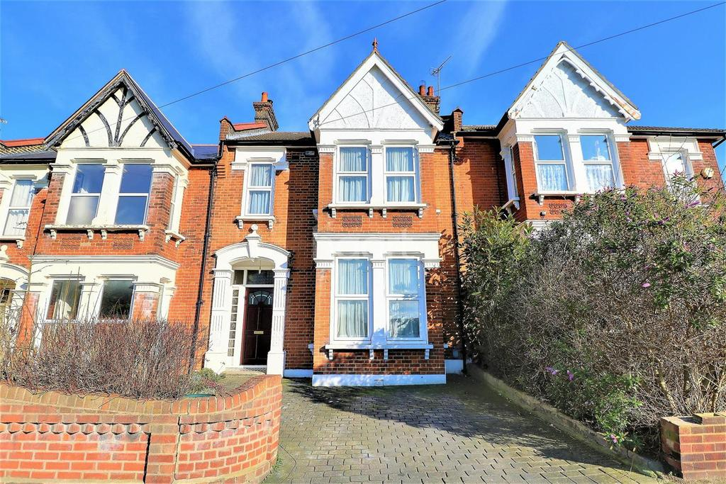 4 Bedrooms Terraced House for sale in Brisbane Road, Ilford, Essex