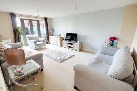 5 bedroom detached house for sale - Lodge Close, Leicester Forest East, Leicester