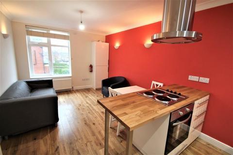 2 bedroom apartment to rent - Inglewood Terrace, Woodhouse, Leeds, LS6 2HT