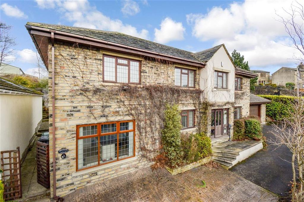 4 Bedrooms Detached House for sale in Birchencliffe Hill Road, Huddersfield, HD3