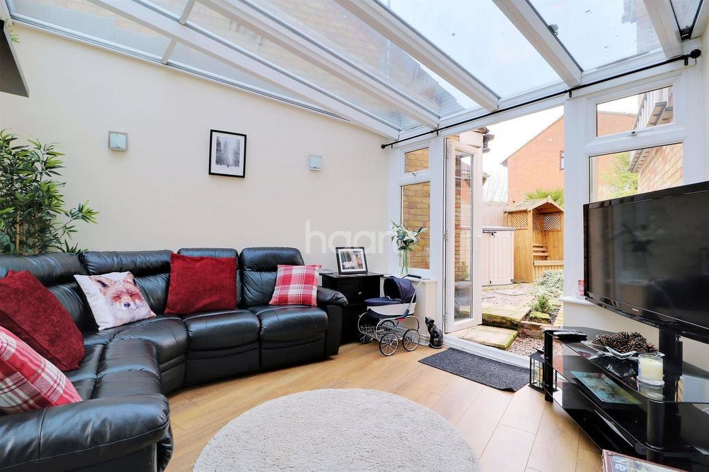 3 Bedrooms End Of Terrace House for sale in Buttermere Road, Orpington