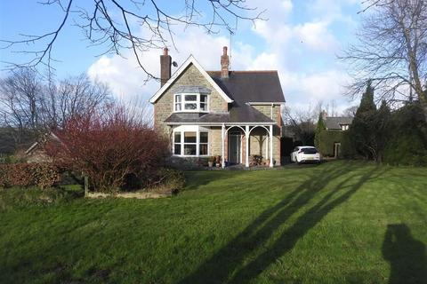 4 bedroom property with land for sale - Rhydlewis
