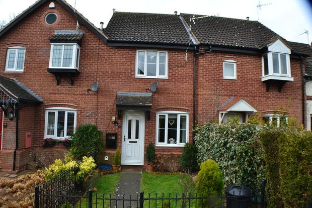 2 Bedrooms Terraced House for sale in Forryans Close, Wigston Harcourt, Leicester, LE18