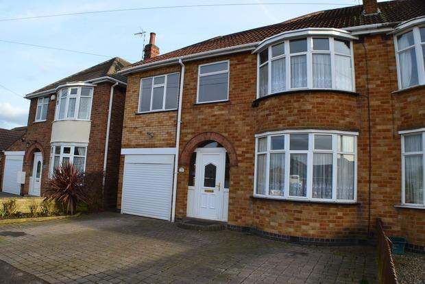 4 Bedrooms Semi Detached House for sale in Thirlmere Road, Wigston, Leicester, LE18