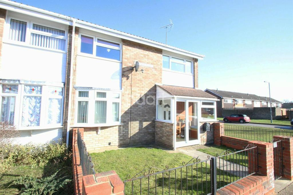4 Bedrooms Semi Detached House for sale in Siward Road, Witham