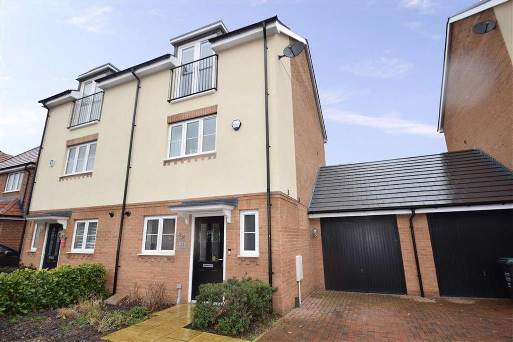 3 Bedrooms Town House for sale in Bateson Drive, Leavesden, Herts