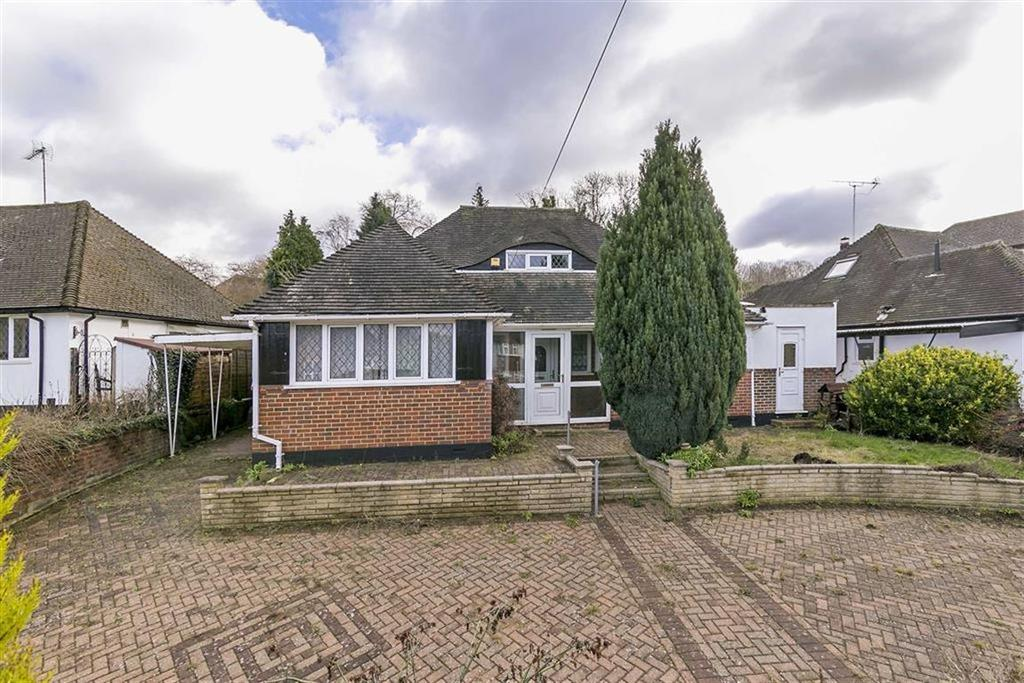 3 Bedrooms Detached Bungalow for sale in Hillside, Banstead, Surrey