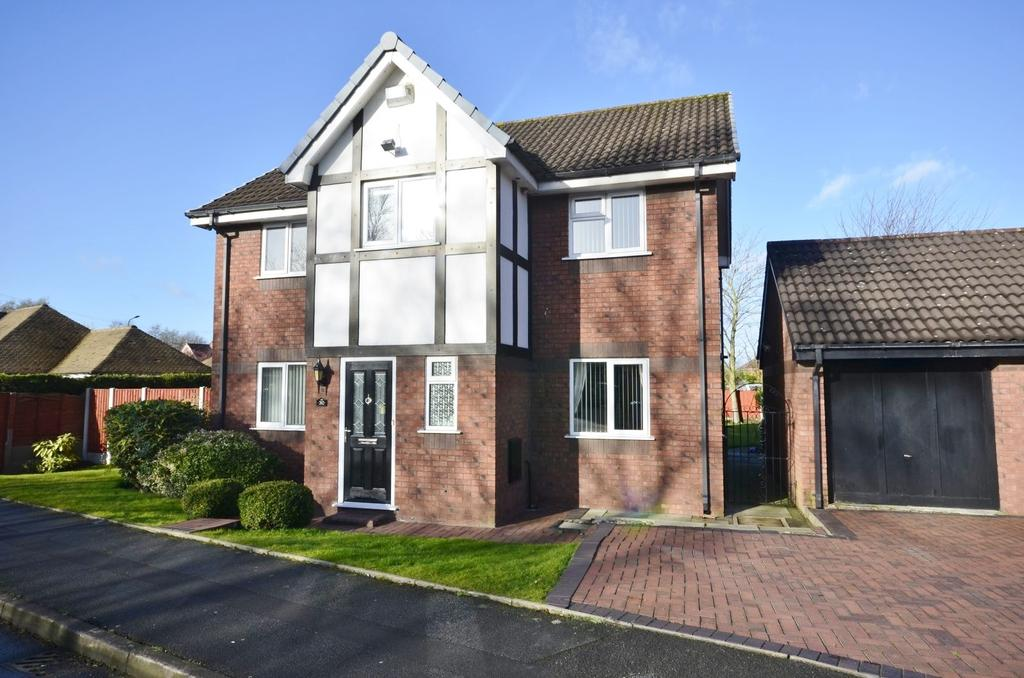4 Bedrooms Detached House for sale in Kentmere Road, Timperley, Altrincham