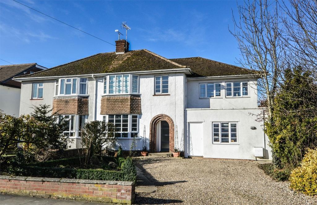 4 Bedrooms Semi Detached House for sale in 2 Gibson Gardens, Saffron Walden