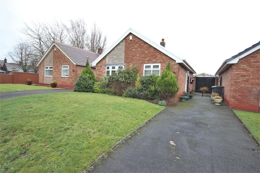 2 Bedrooms Detached Bungalow for sale in Grosvenor Road, WIDNES, Cheshire
