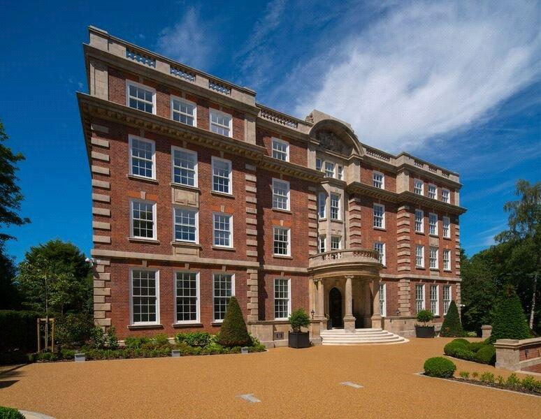 2 Bedrooms Flat for sale in Furnival House, 50 Cholmeley Park, London, N6