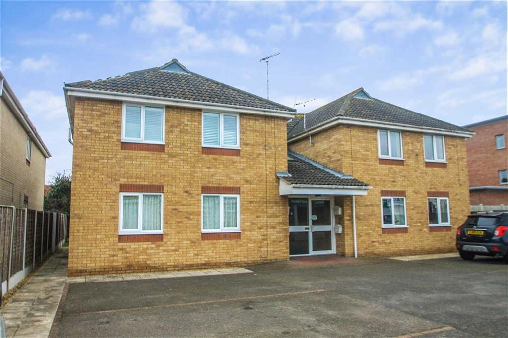 2 Bedrooms Flat for sale in High Street, Clacton-on-Sea