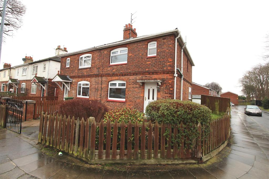 3 Bedrooms Semi Detached House for sale in First Avenue, Grimsby, DN33 1AB