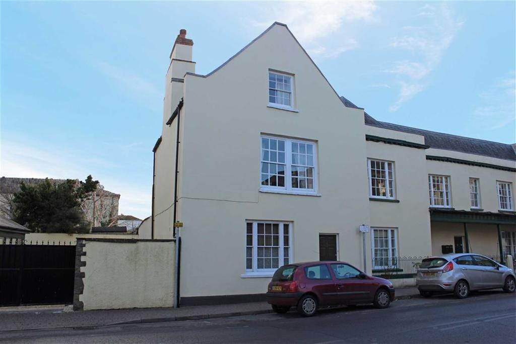 3 Bedrooms End Of Terrace House for sale in St James Mews, Monmouth