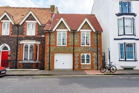 2 bedroom terraced house for sale - Chesham Road Brighton East Sussex BN2