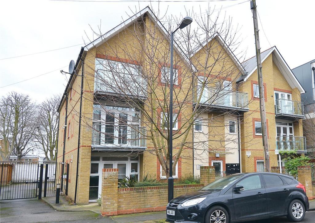 2 Bedrooms Flat for sale in Gordon Road, Nunhead, London, SE15