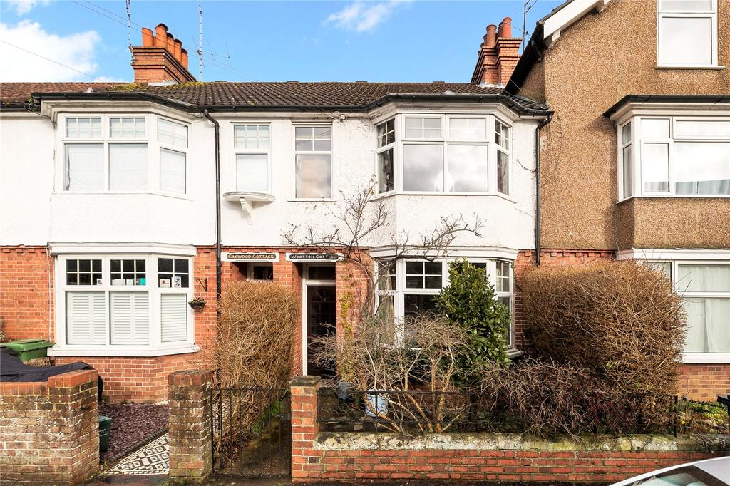 3 Bedrooms Terraced House for sale in Norfolk Road, Dorking, Surrey, RH4