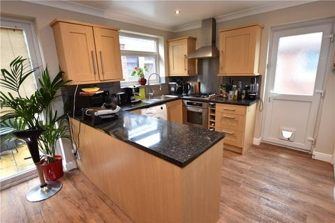 3 bedroom semi-detached house to rent - Newlay Wood Crescent, Horsforth, Leeds, West Yorkshire
