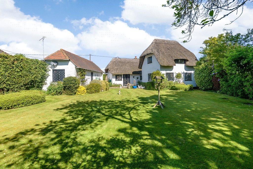 4 Bedrooms Detached House for sale in Church Lane, Dogmersfield, Hook, RG27