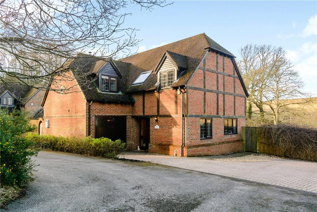 4 Bedrooms Detached House for sale in Crookham Hill, Crookham Common, Thatcham, Berkshire, RG19