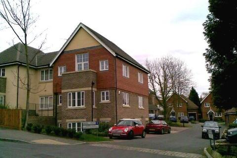 2 bedroom flat to rent - Park View, Caterham-on-the Valley, CR3 6RY