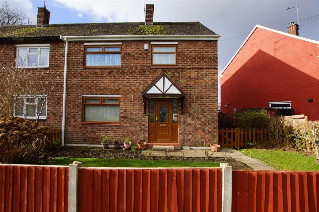 3 Bedrooms Semi Detached House for sale in Hargrave Drive, Great Sutton, CH66 3NB
