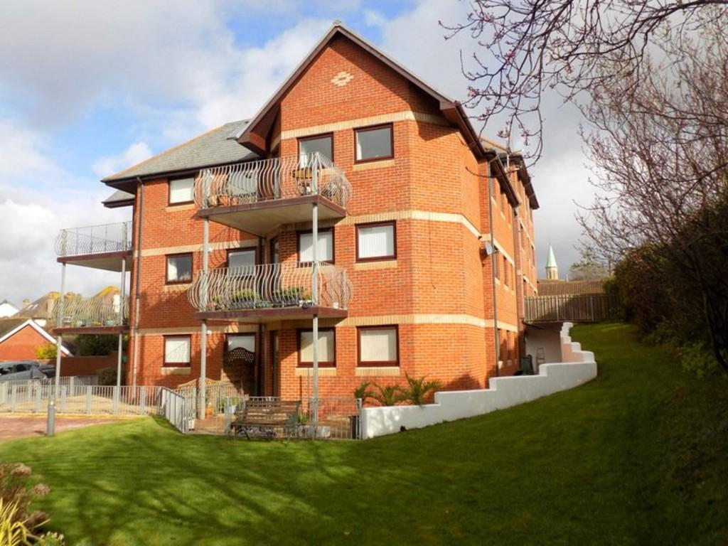2 Bedrooms Ground Flat for sale in Raddenstile Lane