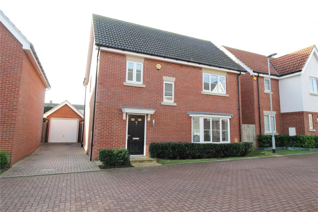 4 Bedrooms Detached House for sale in Scholars Crescent, Dunton Fields, Laindon, Essex, SS15
