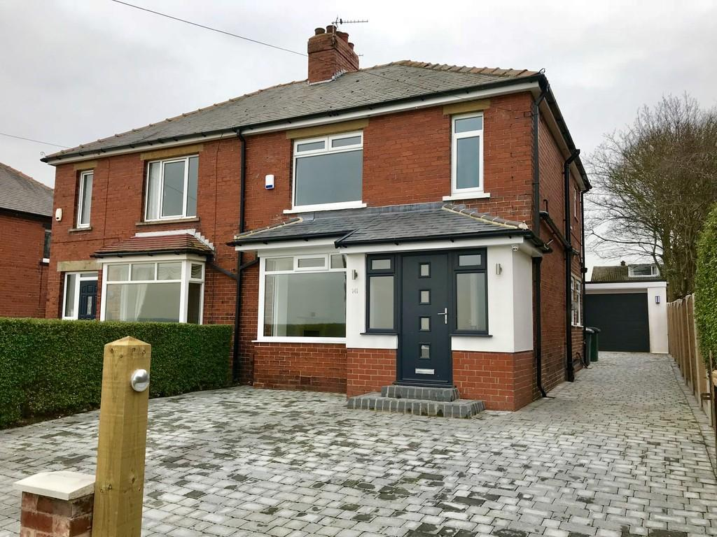 4 Bedrooms Semi Detached House for sale in Staincross Common, Barnsley S75