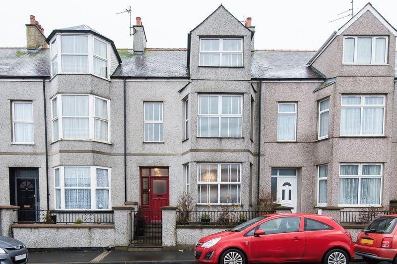 4 Bedrooms Terraced House for sale in Alderley Terrace, Holyhead