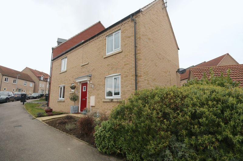 3 Bedrooms Semi Detached House for sale in Allen Road, Ely