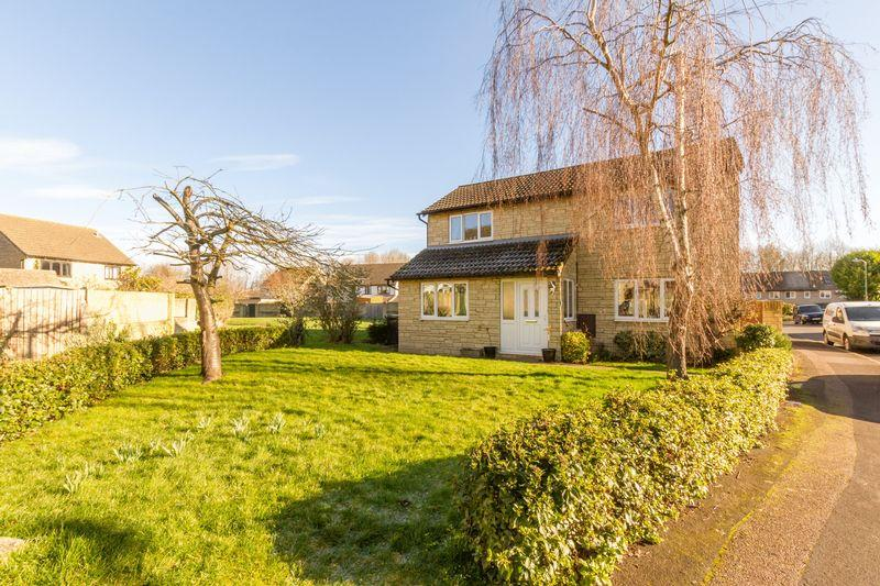 3 Bedrooms Detached House for sale in Dovehouse Close, Eynsham