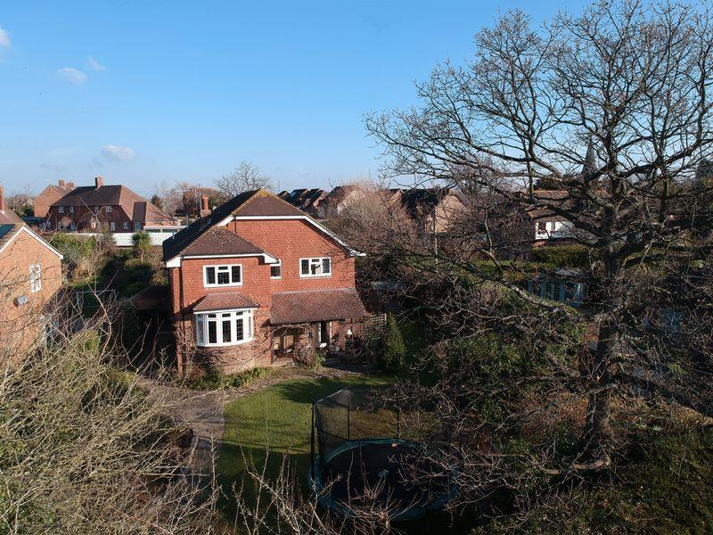 6 Bedrooms Detached House for sale in West Street, Billingshurst