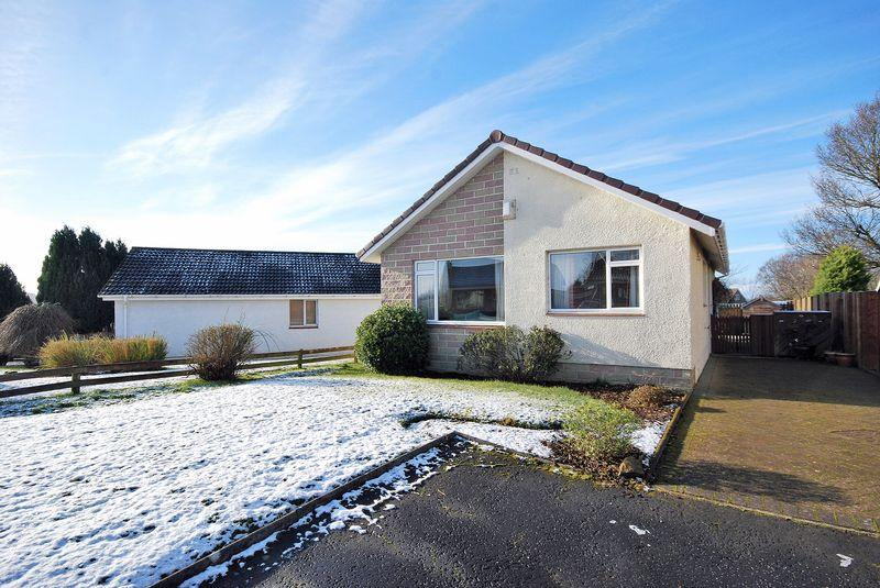 3 Bedrooms Detached Bungalow for sale in 5 Carrick View, Coylton, KA6 6NR