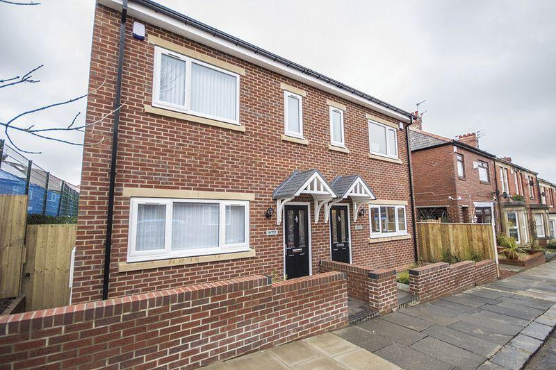 3 Bedrooms Semi Detached House for sale in Matfen Place, Fenham Newcastle upon Tyne