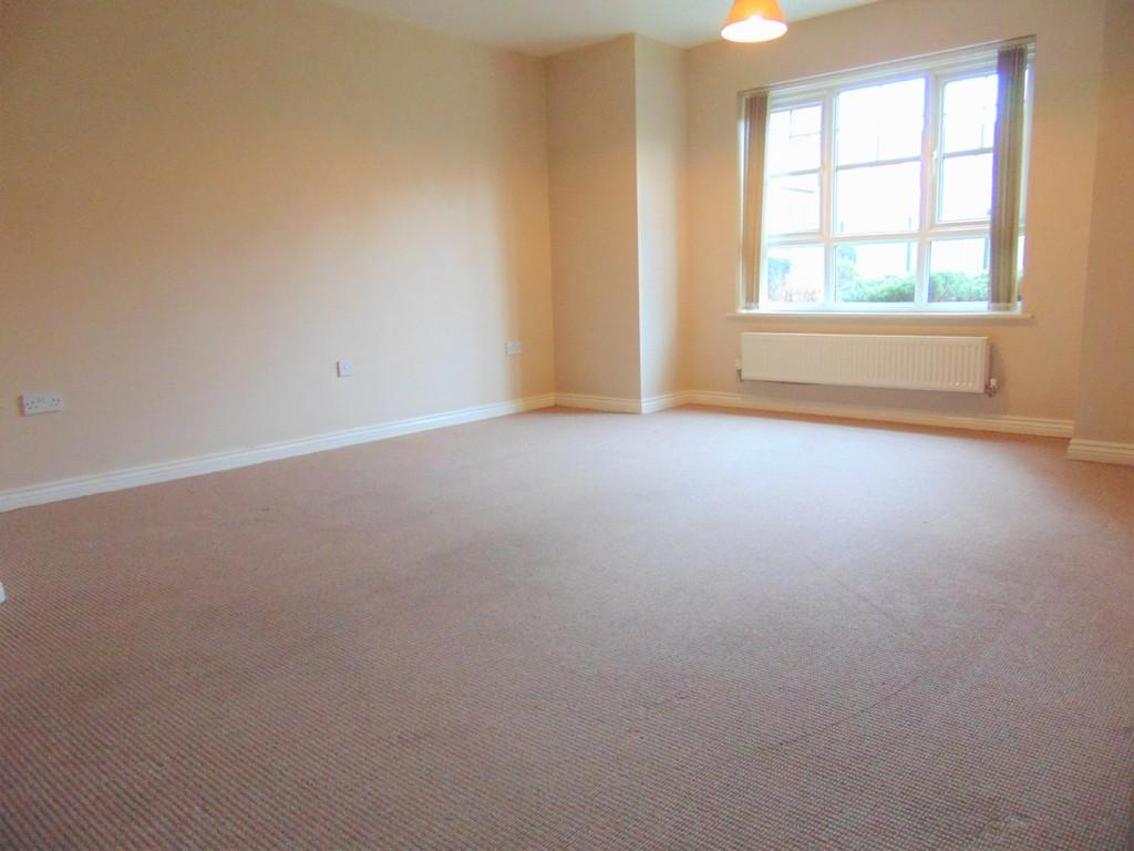 2 Bedrooms Detached House for rent in Holmes Court, Borough Road