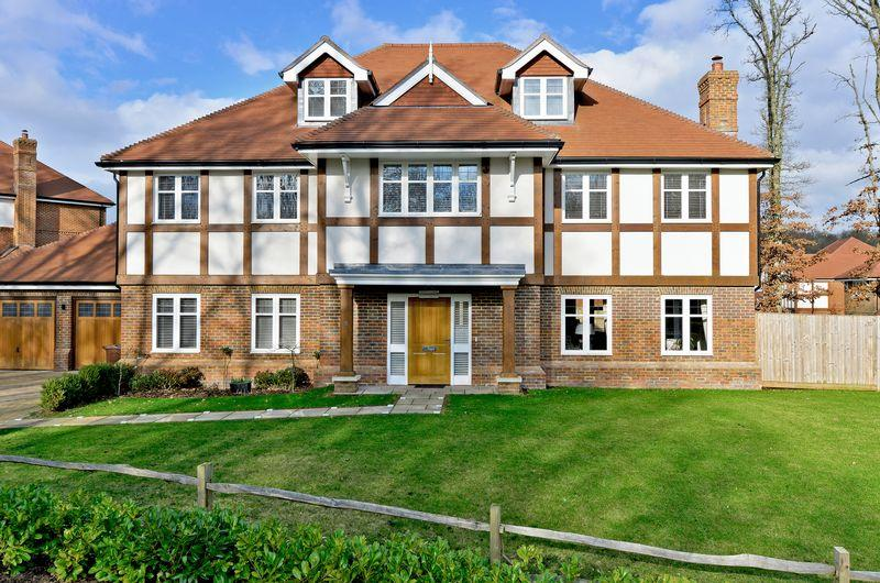 6 Bedrooms Detached House for sale in Fern Mead, Cranleigh