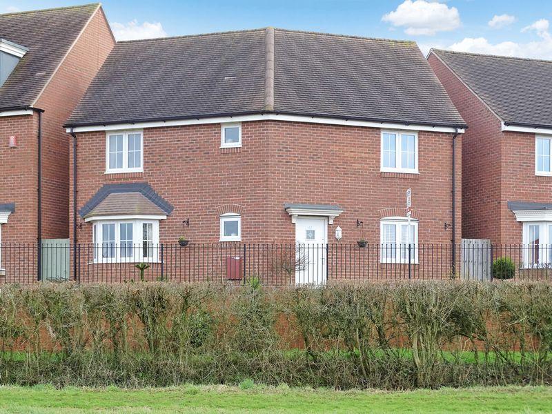 3 Bedrooms Detached House for sale in Hawthorn Road, Melksham