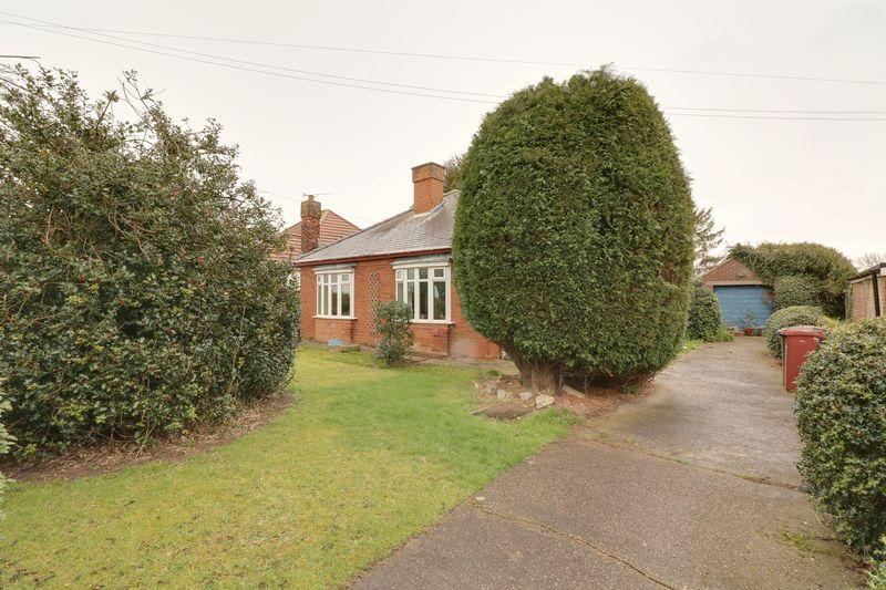 2 Bedrooms Detached Bungalow for sale in Thornton Road, Goxhill