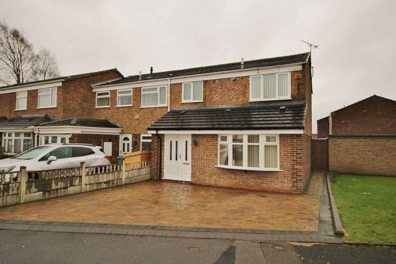 3 Bedrooms End Of Terrace House for sale in Darvel Road, Off Stroud Avenue, Willenhall