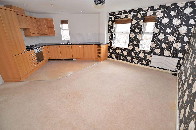 2 Bedrooms Apartment Flat for sale in Johnson Drive, Leighton Buzzard