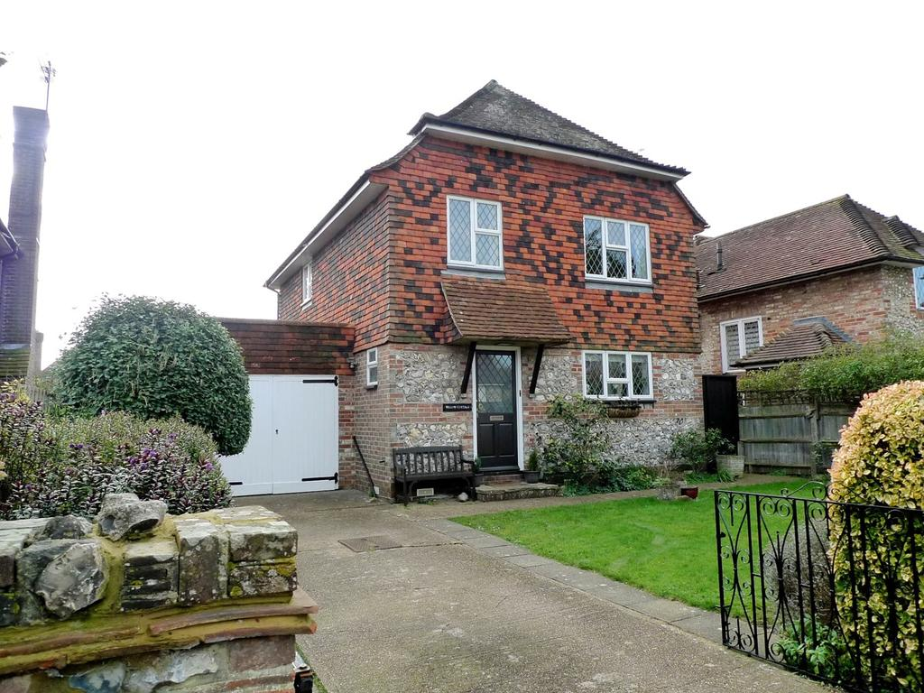 3 Bedrooms Detached House for sale in Old Barn Close, Willingdon , Eastbourne, BN20