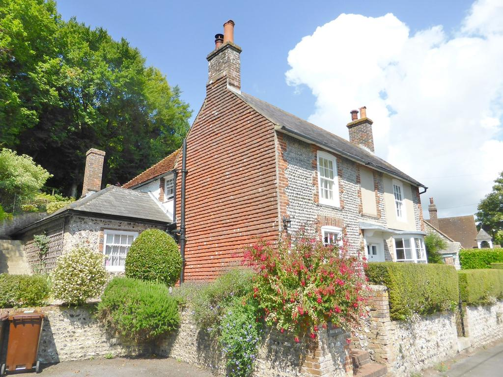 4 Bedrooms Detached House for sale in Went Way, East Dean, BN20