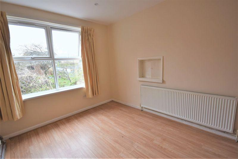 3 Bedrooms Terraced House for sale in Windsor Road, Dagenham