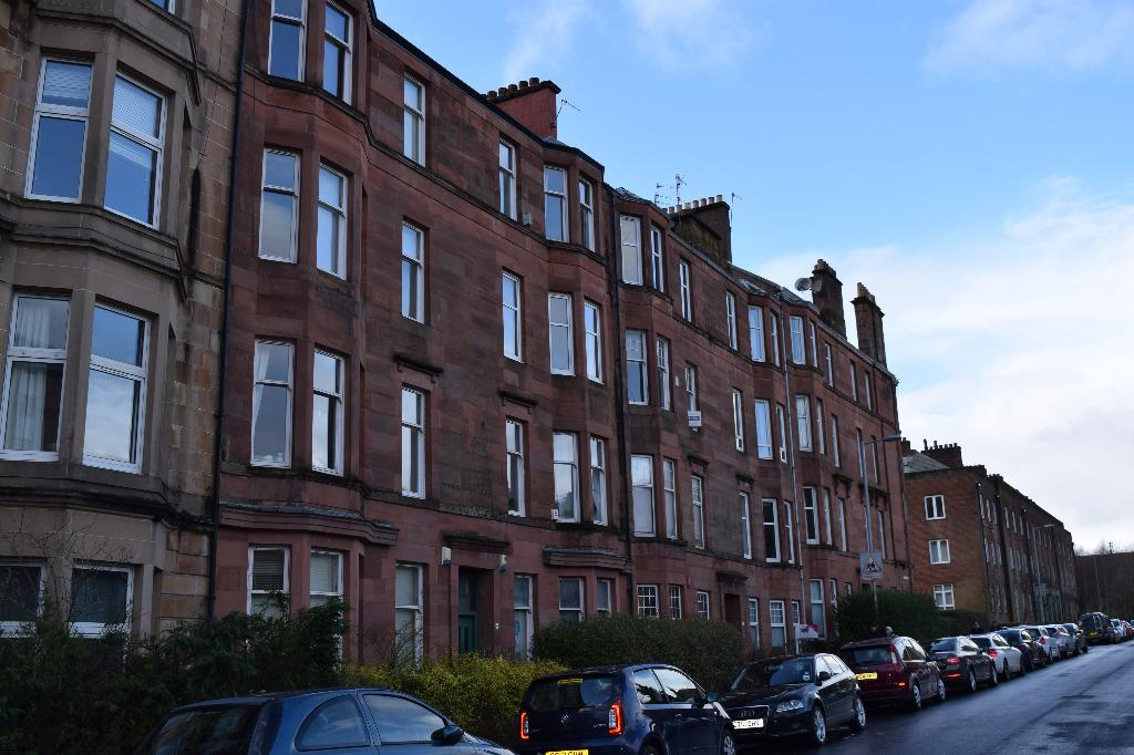 2 Bedrooms Flat for sale in Kelbourne Street, Flat 3/1, North Kelvinside, Glasgow, G20 8PE
