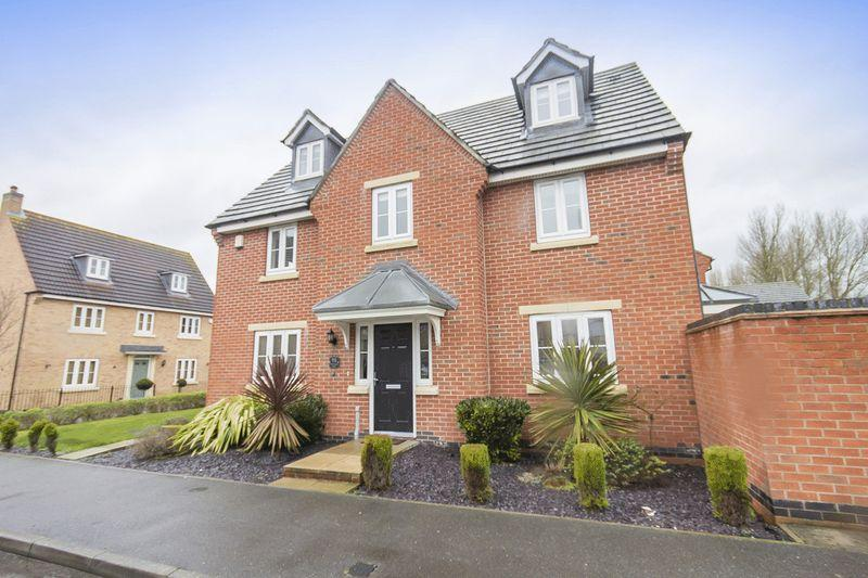 5 Bedrooms Detached House for sale in Montague Way, Chellaston