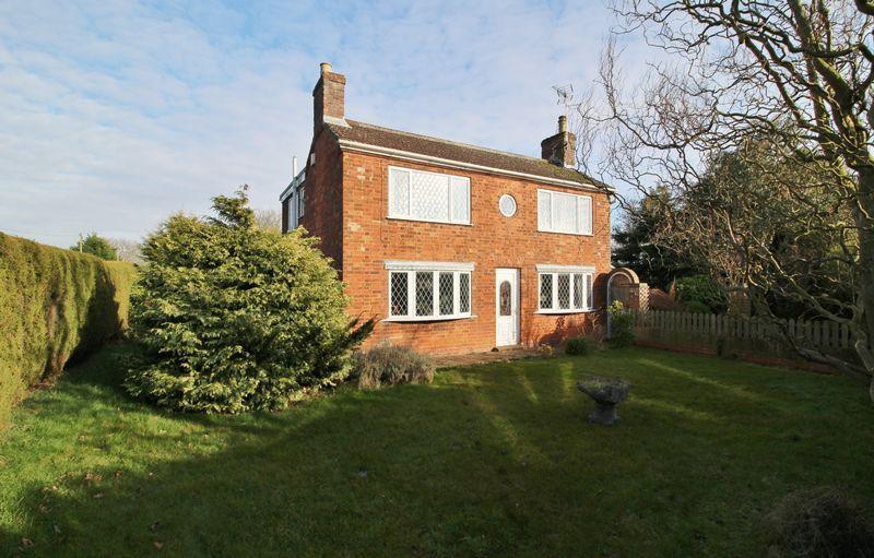 3 Bedrooms Detached House for sale in Croft Bank, Skegness