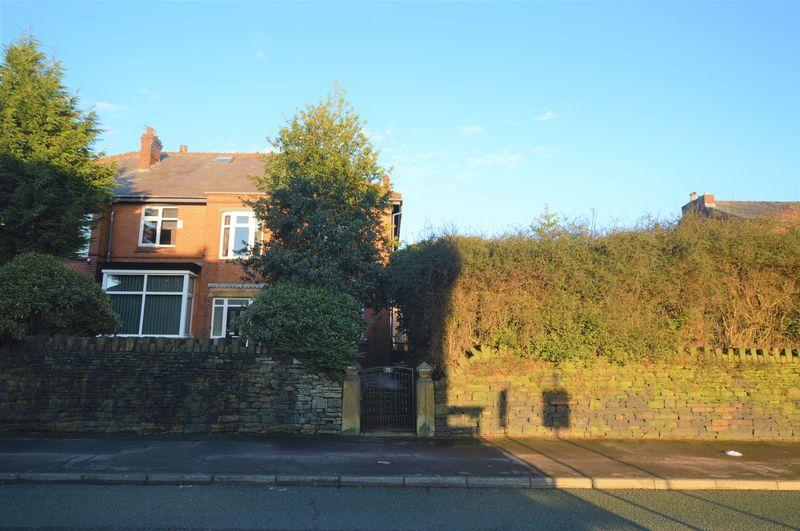 5 Bedrooms Semi Detached House for sale in Rooley Moor Road, Rochdale