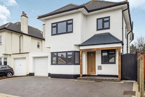 4 bedroom detached house for sale - Raphael Avenue, Marshalls Park, Romford