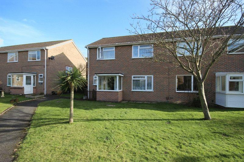 3 Bedrooms Semi Detached House for sale in MUDEFORD CHRISTCHURCH